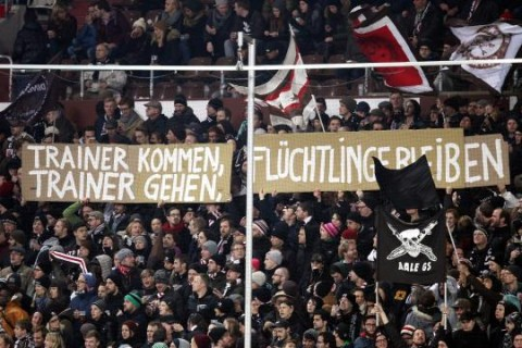 "FC St. Pauli: ""Coaches Come Coaches Go. Refugees Must Stay."""
